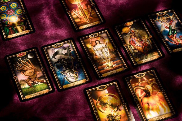 Tarot – okultyzm w XXI w. ma się nadal dobrze